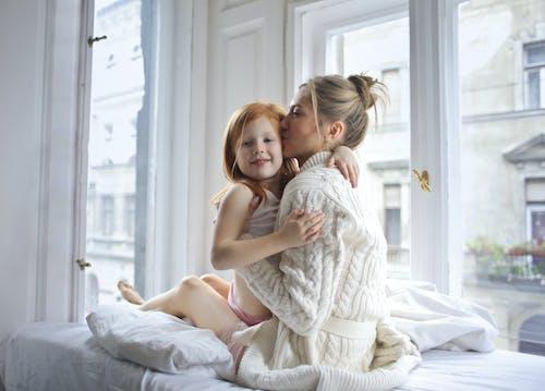 Foto stok gratis anak, bagus, cinta, cute