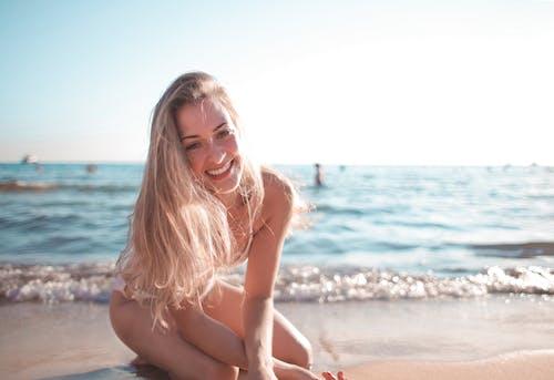 Gratis lagerfoto af afslapning, afslappet, bikini, ferie