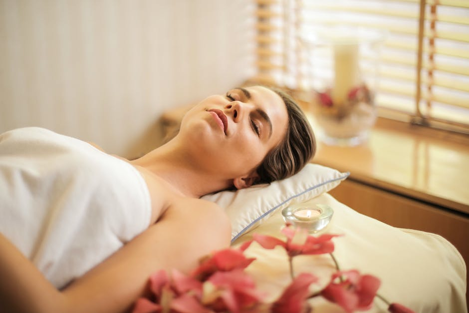 IS IT RUDE TO FALL ASLEEP DURING MASSAGE?
