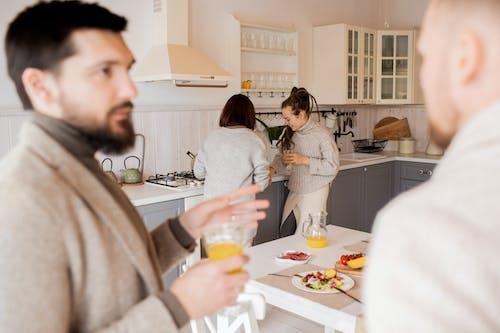Kostnadsfri bild av apelsinjuice, canvacustombrief, grupp, inomhus