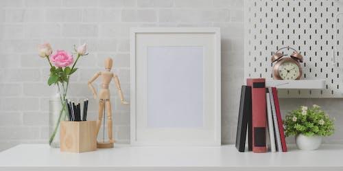 Ảnh lưu trữ miễn phí về ấm cúng, ánh sáng ban ngày, bàn, bộ sưu tập