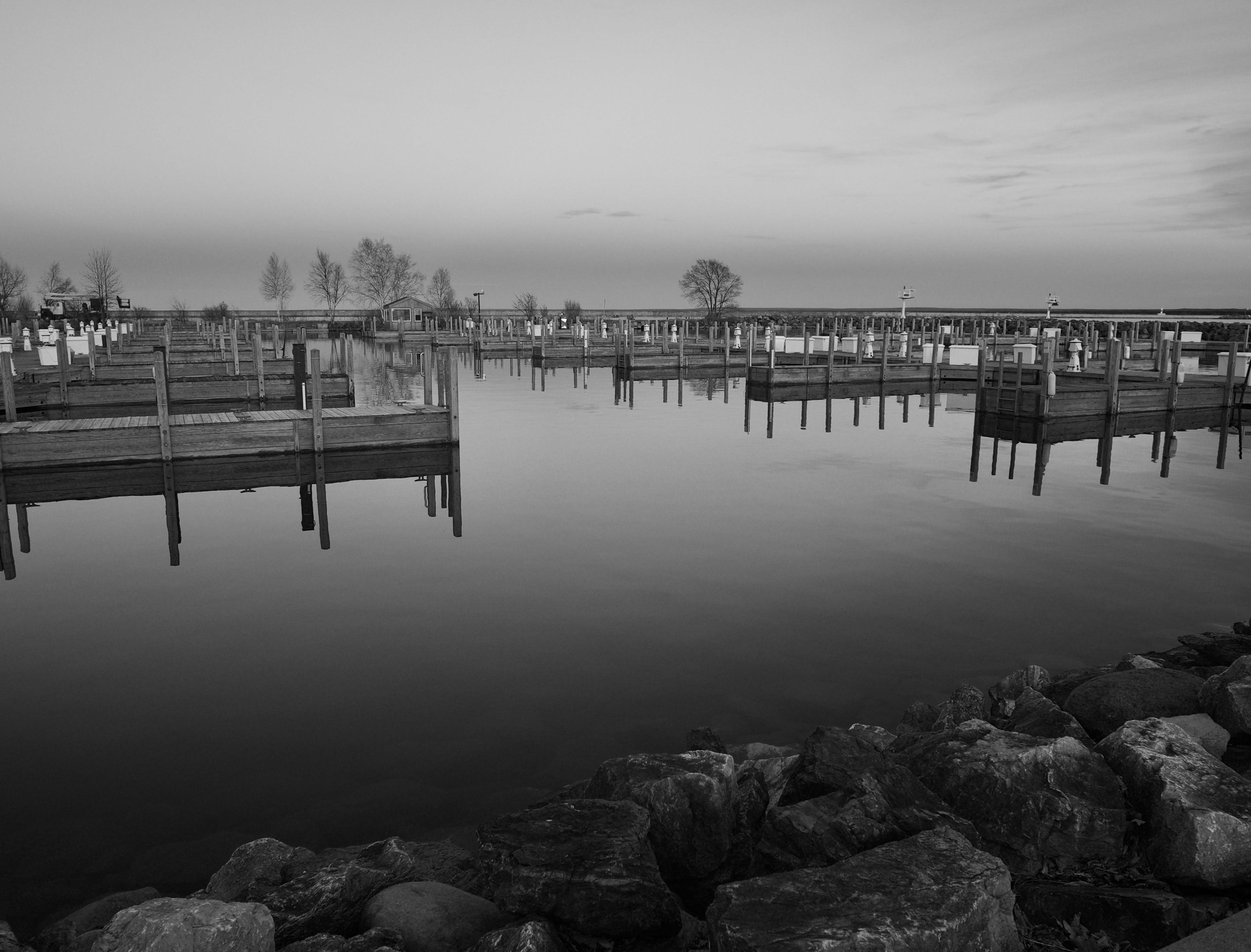 Free stock photo of black and white, horizon, lake, rocks