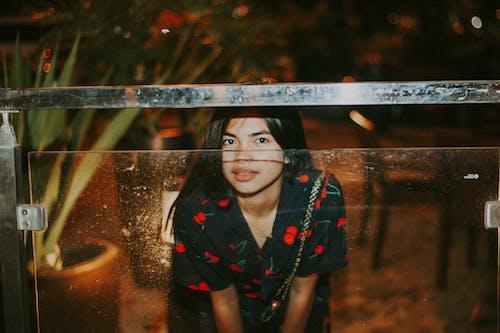 Fotobanka sbezplatnými fotkami na tému ázijské dievča, na zvislo, portrétnej fotografie, ženský portrét