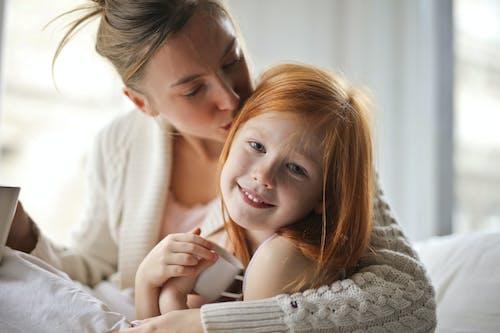 Ingyenes stockfotó anya, anya és gyermek, anya és lánya, anyaság témában
