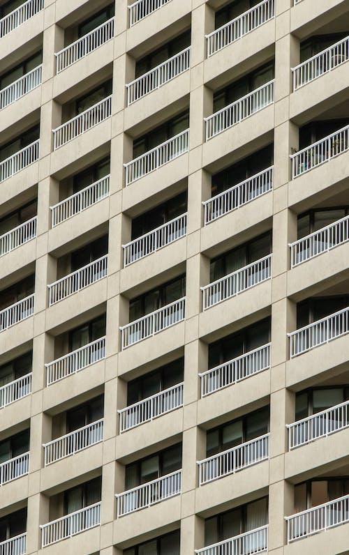 Foto d'estoc gratuïta de apartament, arquitectura, balcons, contemporani