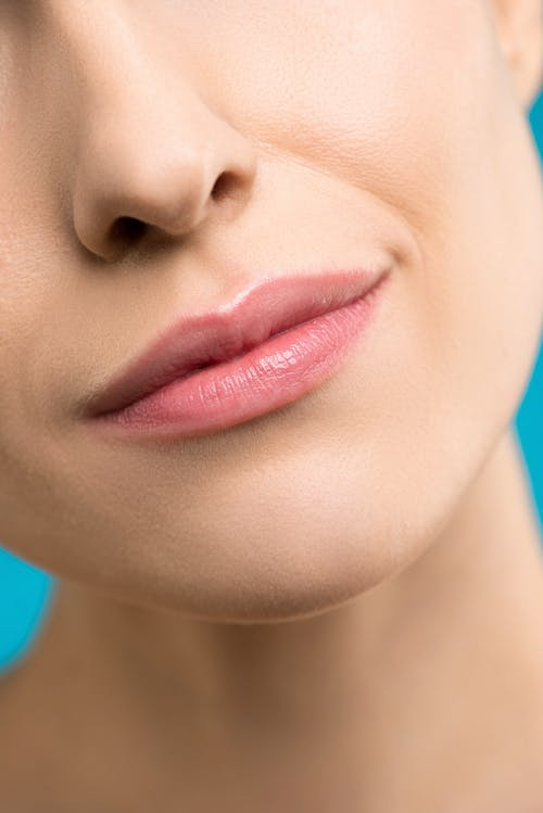 Бесплатное стоковое фото с canvacustombrief, губная помада, губы, нос