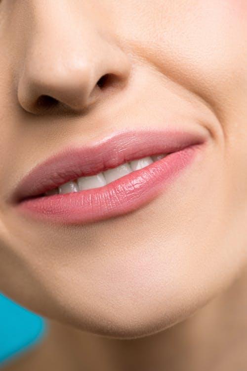 Бесплатное стоковое фото с canvacustombrief, губная помада, губы, зубы