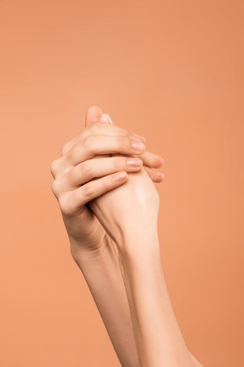 Mani Di Persone