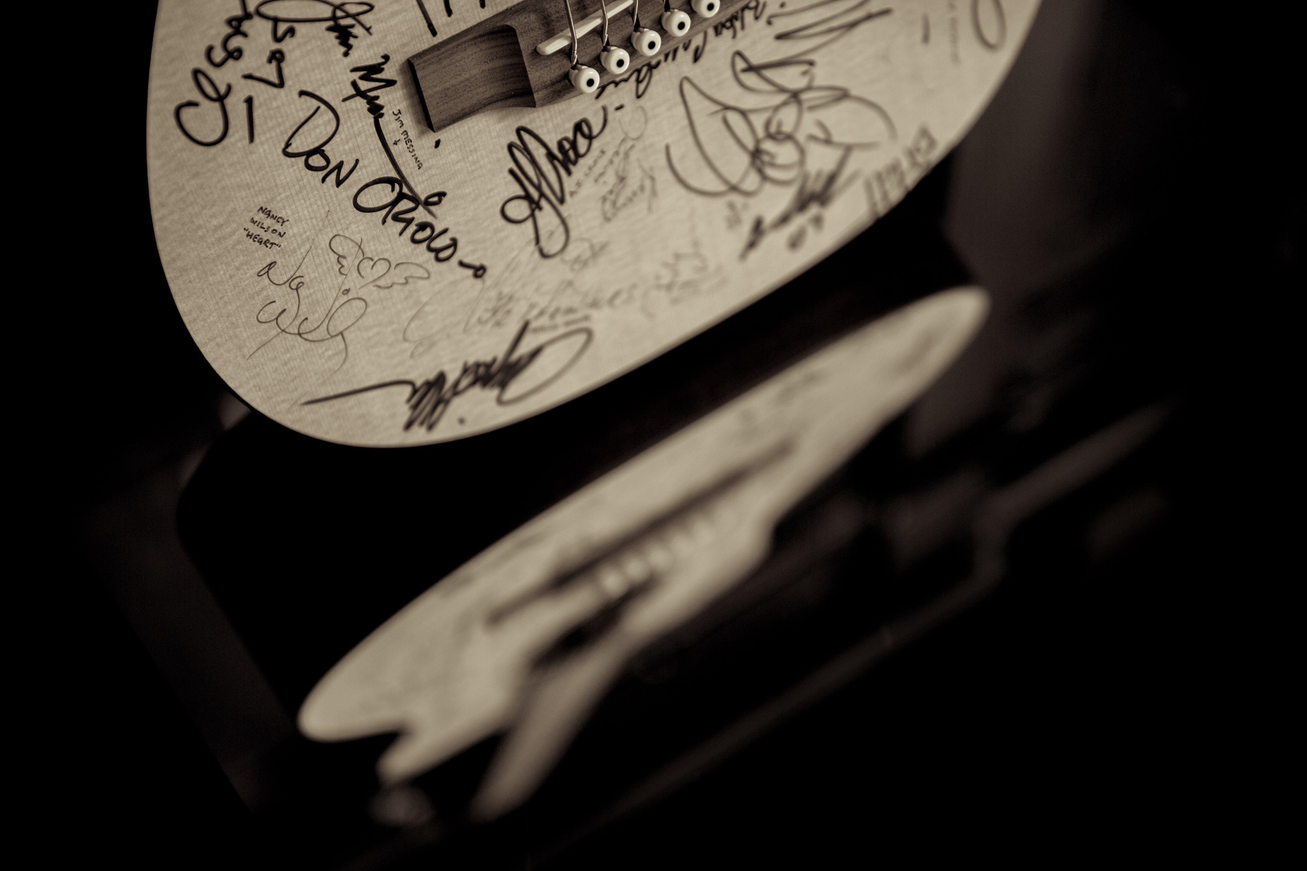of acoustic guitar, autograph, dark, guitar