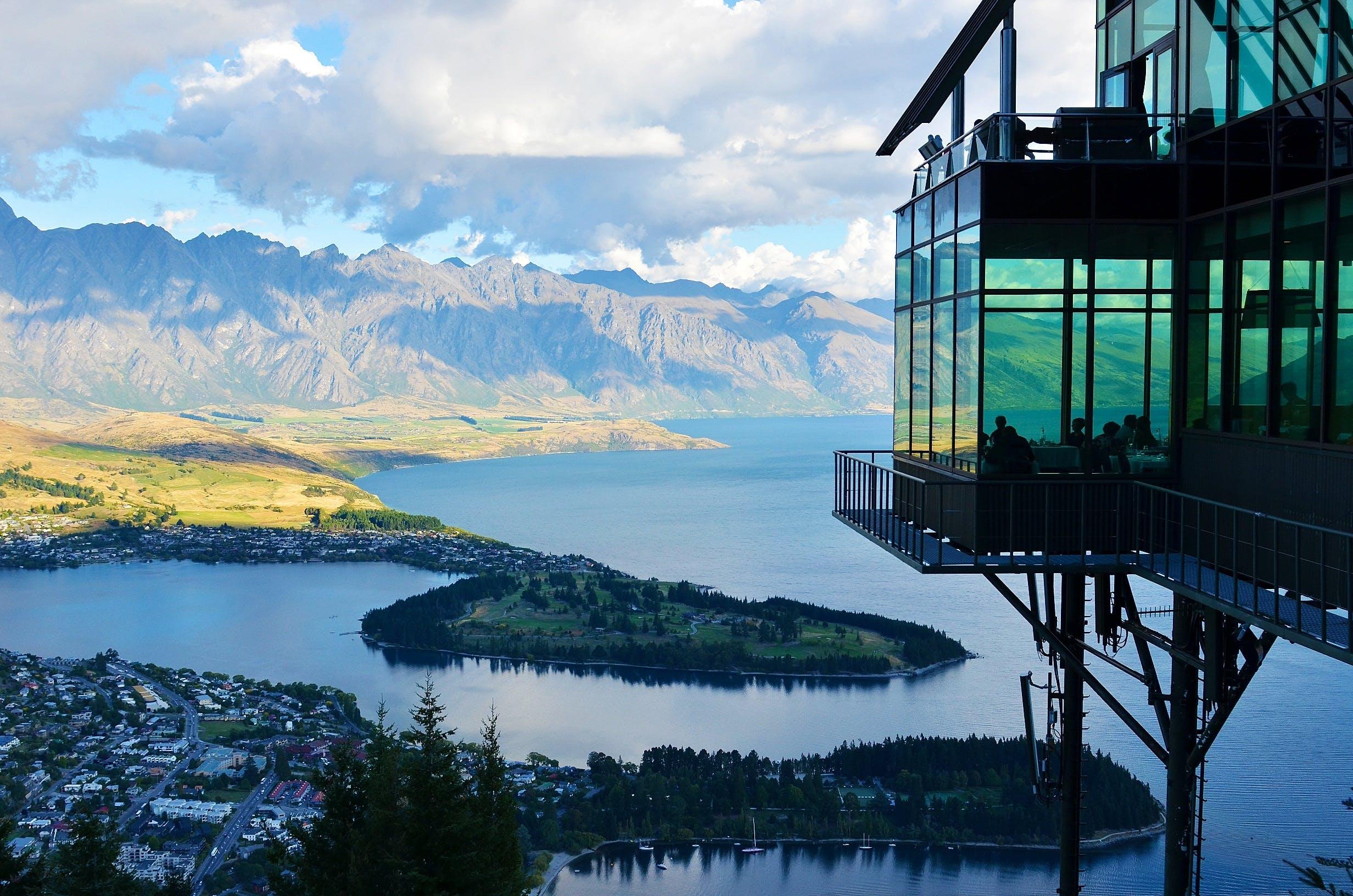 Foto profissional grátis de arquitetura, cênico, mirante, montanha