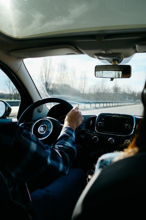 Foto d'estoc gratuïta de automòbil, automoció, conducció, conductor