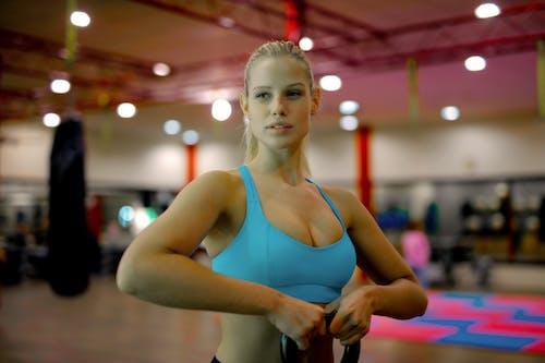 健身, 健身器材, 健身房, 壺鈴 的 免费素材照片