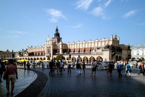 Kostenloses Stock Foto zu gebäude, krakow, markt, parkett