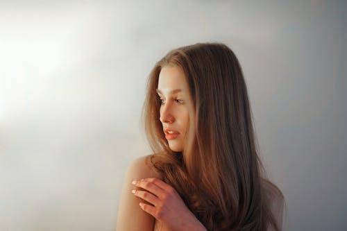 Immagine gratuita di acconciatura, bella donna, bellezza, capelli