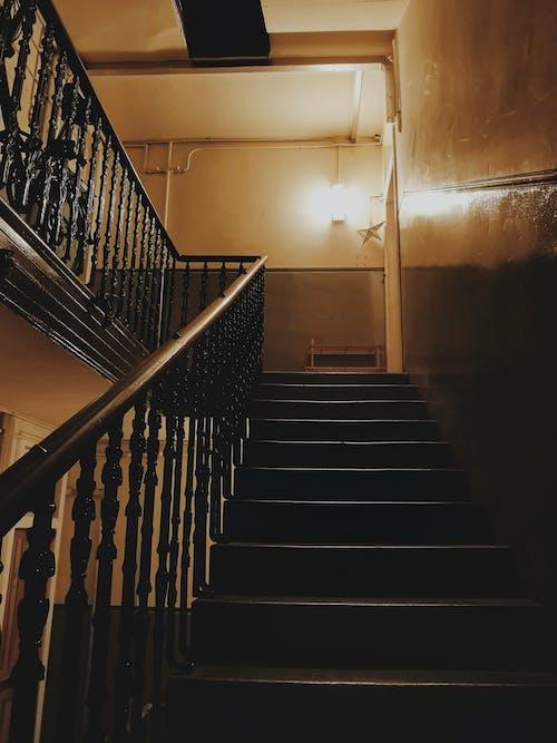 Základová fotografie zdarma na téma airbnb, Edinburgh, schody, Skotsko