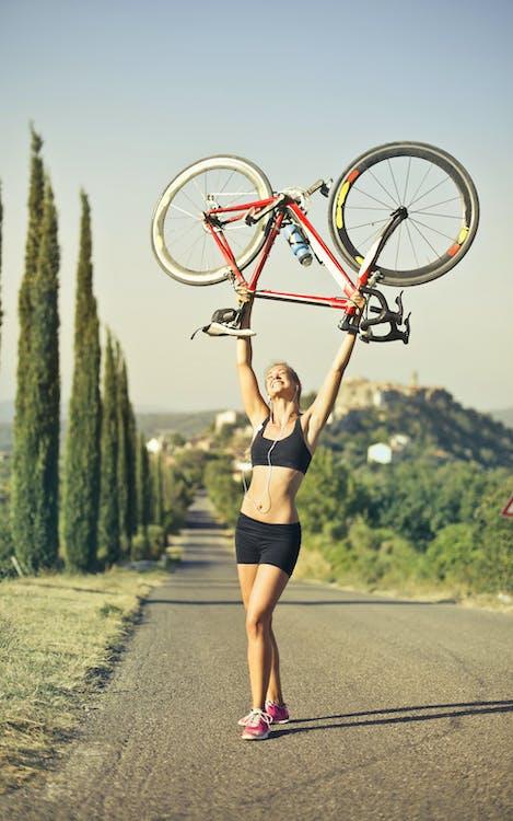 Immagine gratuita di adatto, adulto, andare in bicicletta