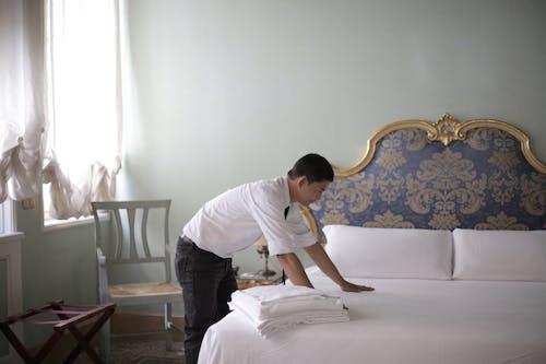 Ingyenes stockfotó ablak, ágy, ágy fejtámlája, ágynemű témában