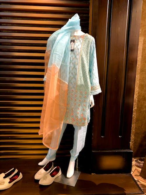 คลังภาพถ่ายฟรี ของ ชุดสูทสุภาพสตรี, ผ้าแบบดั้งเดิม, เครื่องนุ่งห่ม