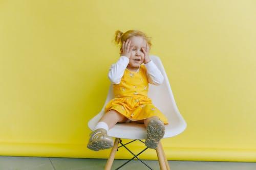 Kostenloses Stock Foto zu Ärger, augen, augen geschlossen, baby
