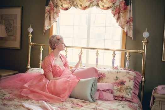 Free stock photo of woman, bed, bedroom, vintage
