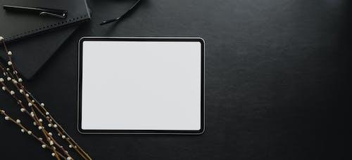 Kostenloses Stock Foto zu attrappe, aufsicht, berührungsempfindlicher bildschirm, bildschirm