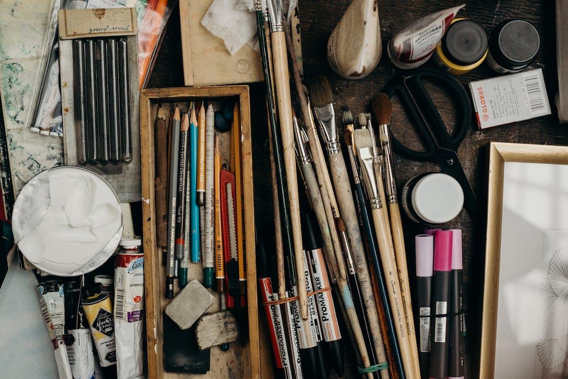 Assorted Color Paint Brush Set