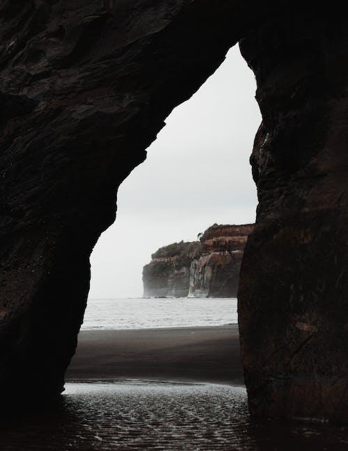 Su Kaynağına Yakın Kaya Oluşumu