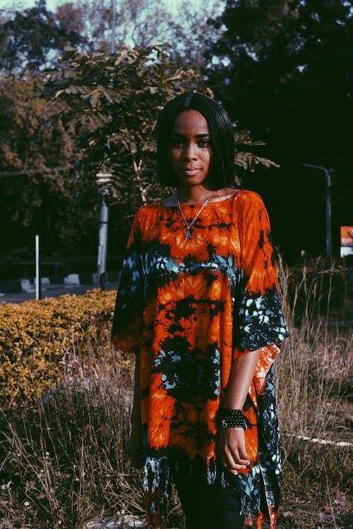 Безкоштовне стокове фото на тему «Африка, африканська жінка, веселий, вечірнє сонце»