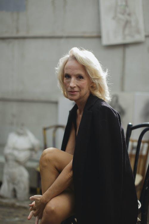 Foto d'estoc gratuïta de abric, abric negre, actriu, Administració