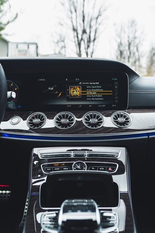 Безкоштовне стокове фото на тему «автомобіль, автомобільний, вимірювальний прилад, вітрове скло»