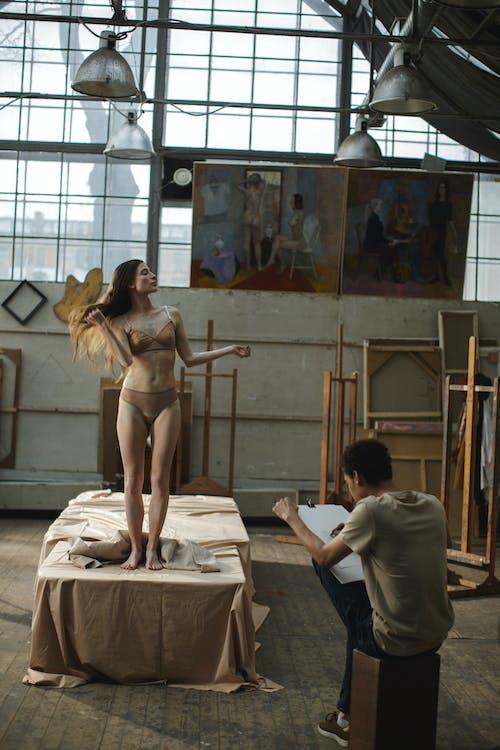 Darmowe zdjęcie z galerii z artysta, bielactwo, bielizna, bielizna damska