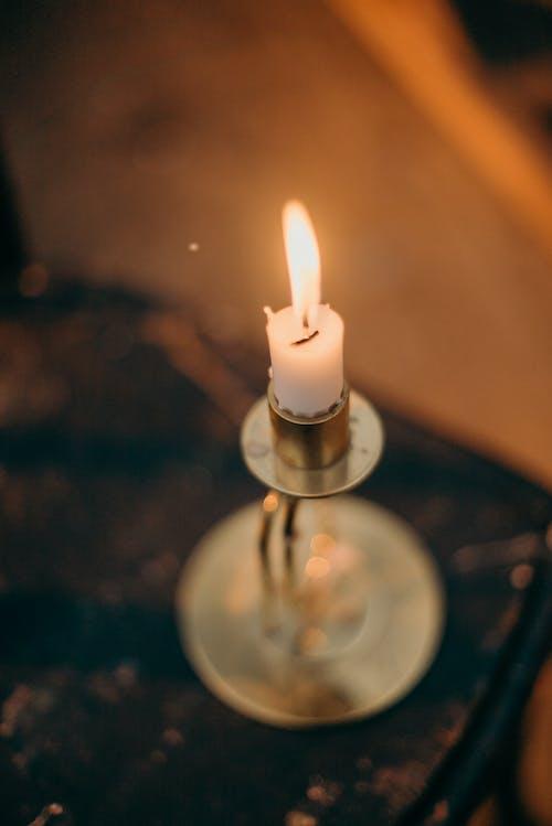 Безкоштовне стокове фото на тему «Вибірковий фокус, віск свічки, вогонь»