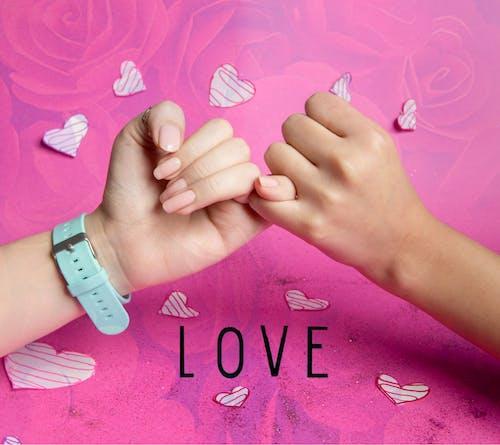Ingyenes stockfotó kezek, rózsaszínű, szerelem témában