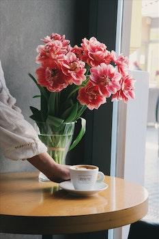 Free stock photo of coffee, hand, flowers, drinks