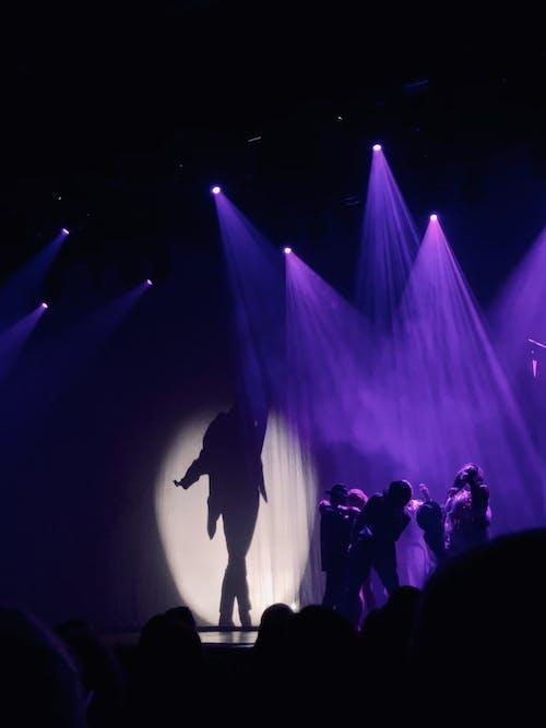 Foto stok gratis konser, lampu panggung, latar belakang ungu, michaeljackson