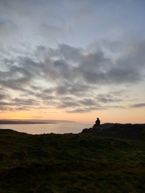 Foto d'estoc gratuïta de a l'aire lliure, alba, capvespre, cel