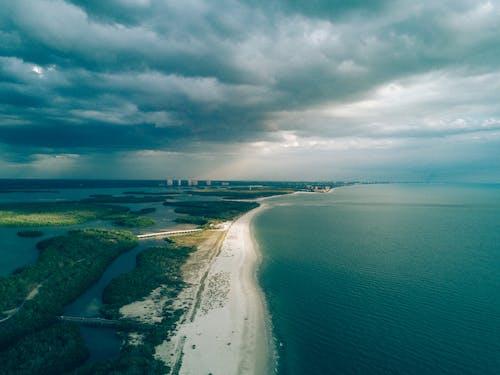 Foto d'estoc gratuïta de aeri, aigua, cel, dron