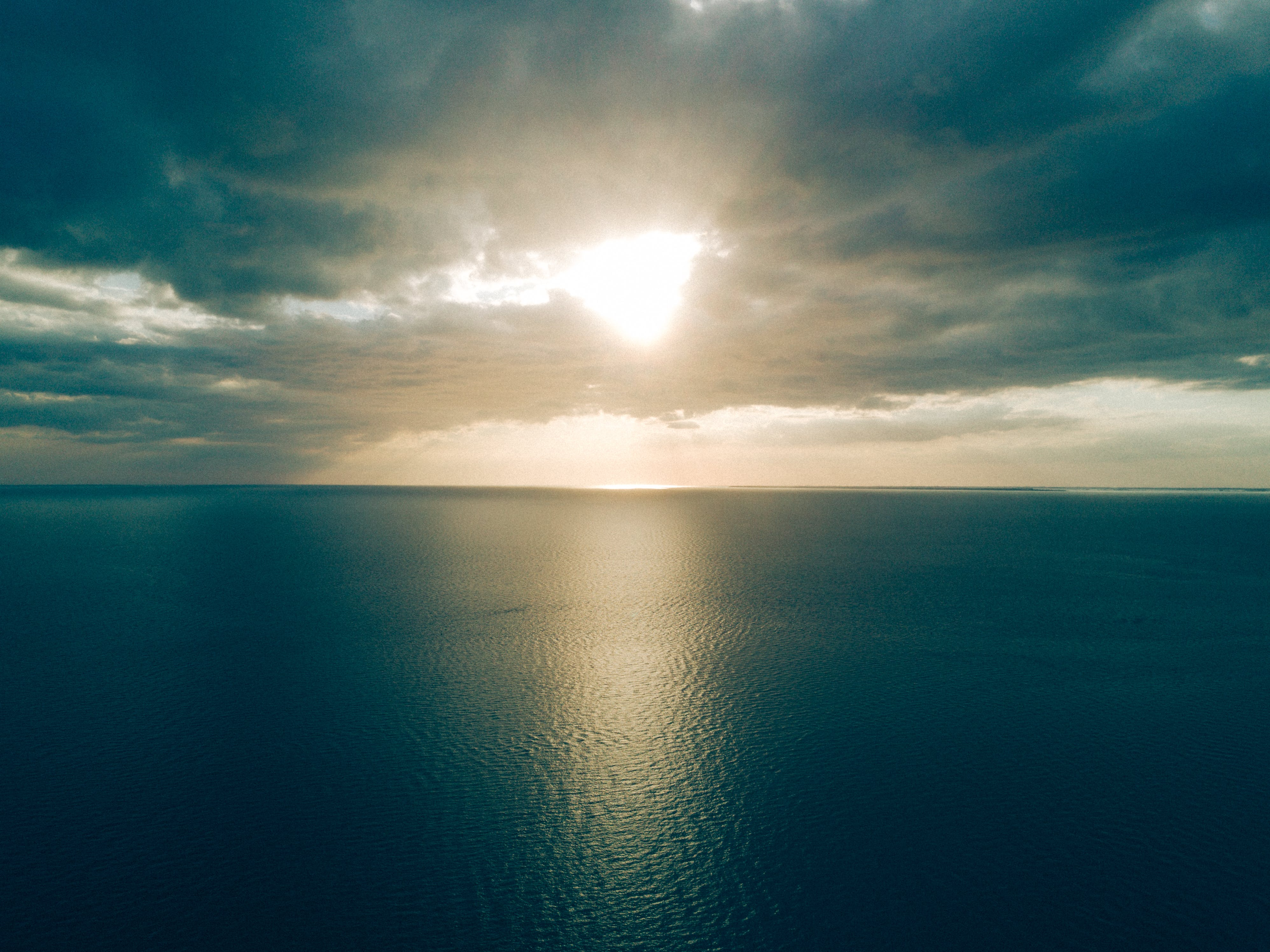 Gratis lagerfoto af aften, antenne, dramatisk, hav