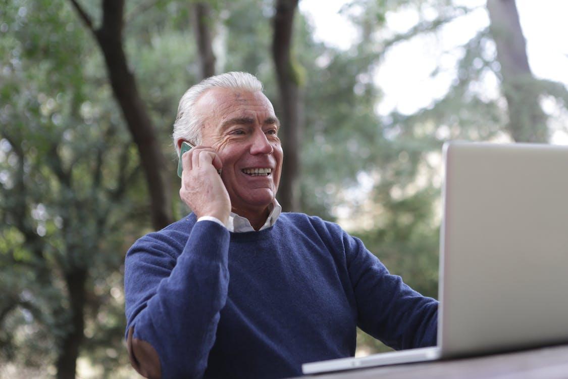 Gratis lagerfoto af ældet, ældre, ældre mand
