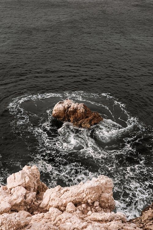 คลังภาพถ่ายฟรี ของ cliff edge, การก่อตัวของหิน, การก่อตัวทางธรณีวิทยา, ชายทะเล