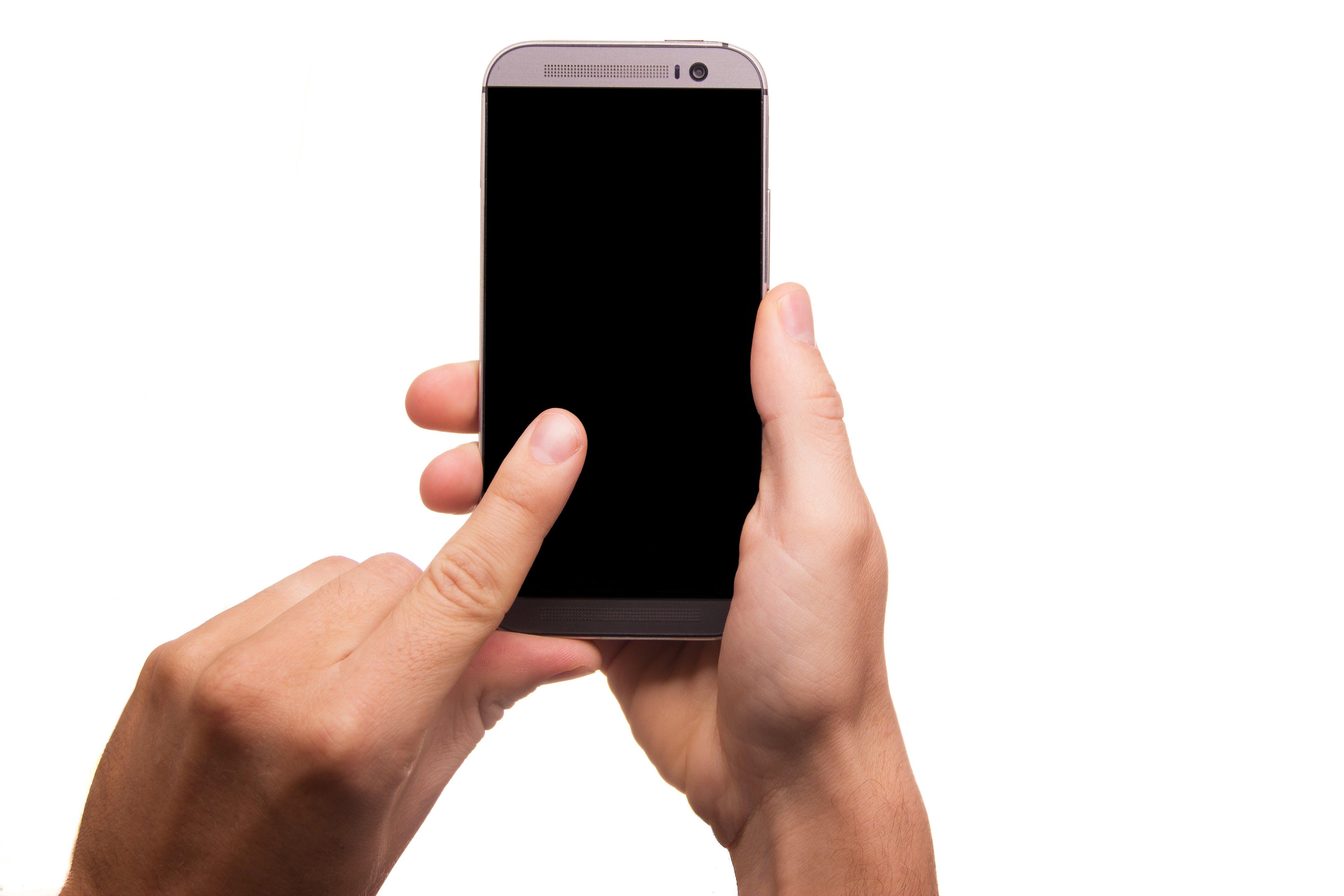Kostenloses Stock Foto zu bildschirm, elektrik, finger, gadget