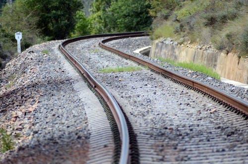Ilmainen kuvapankkikuva tunnisteilla junanrata, kivet, rautatie
