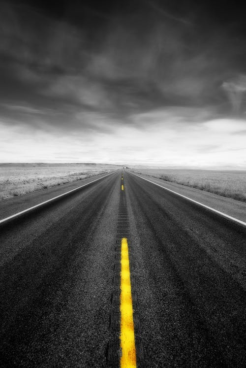 Fotobanka sbezplatnými fotkami na tému asfalt, auto, búrka, cesta