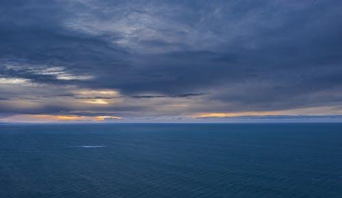 Darmowe zdjęcie z galerii z morze, niebo, su