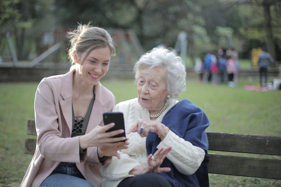 Caring for Elderly Parents: 6 Tips for Success