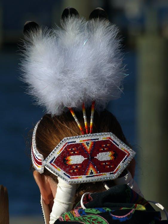 donna, nativo americano, piume