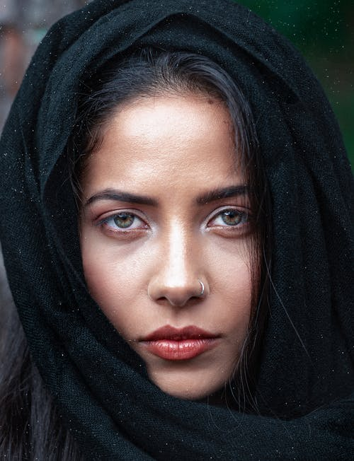Darmowe zdjęcie z galerii z chusta, głowa, hidżab, kobieta