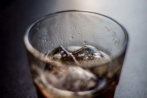 Ilmainen kuvapankkikuva tunnisteilla bokeh, jää, musta kahvi, sumea