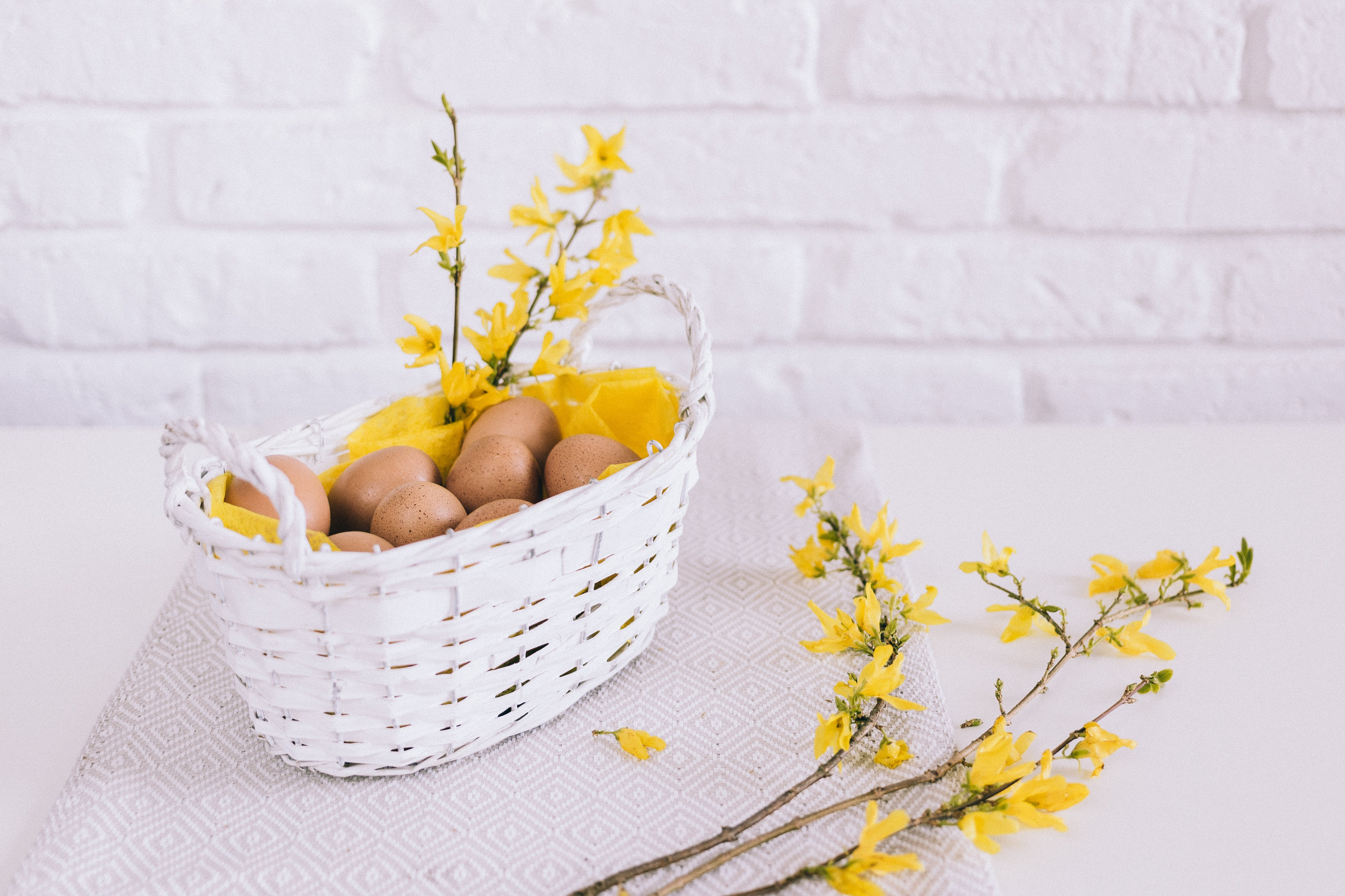 Free stock photo of flowers, table, eggs, wooden