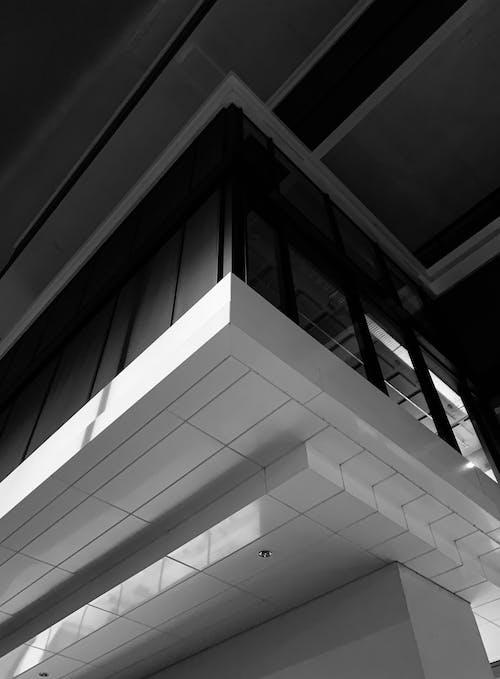 Základová fotografie zdarma na téma architektura, budova, nízký úhel, noc